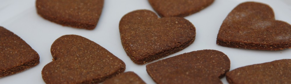 cropped-heart-biccies-ginger.jpg