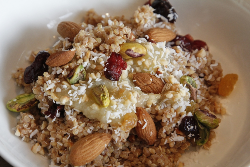 Scrummy Cinnamon Quinoa Porridge Recipe -  Comfort brekkie :) (1/3)